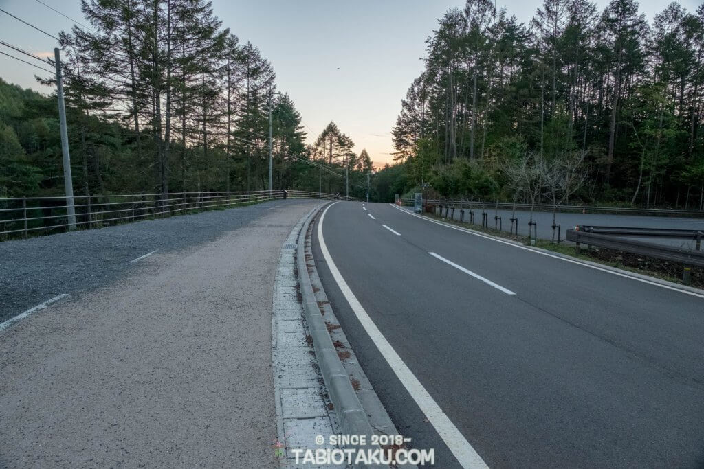 舗装もされおり、綺麗な道路だ